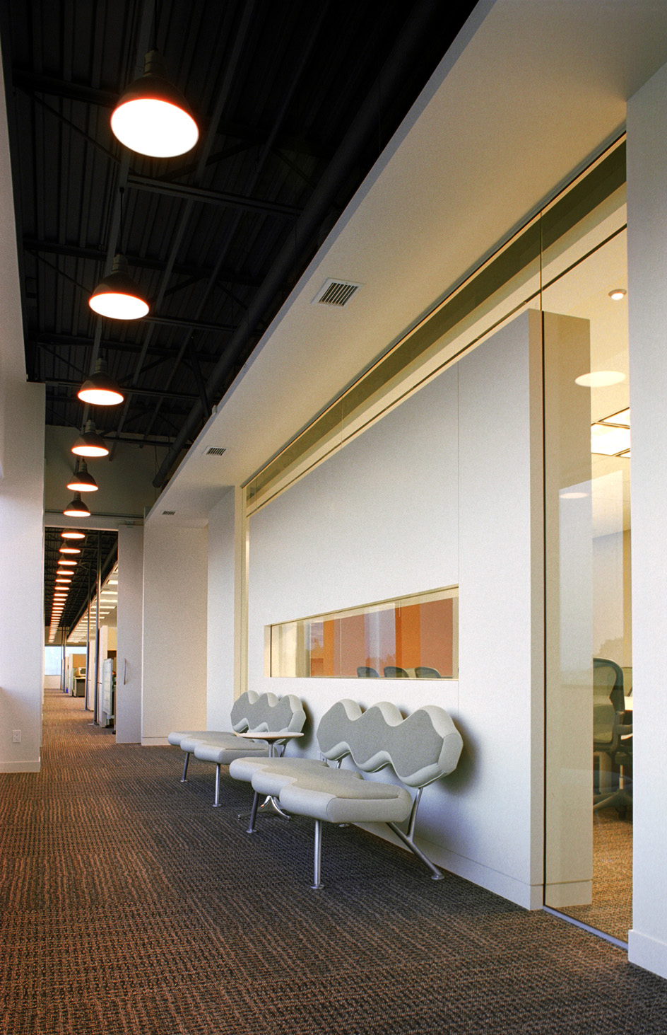 Wavelength chairs at Maritz Canada