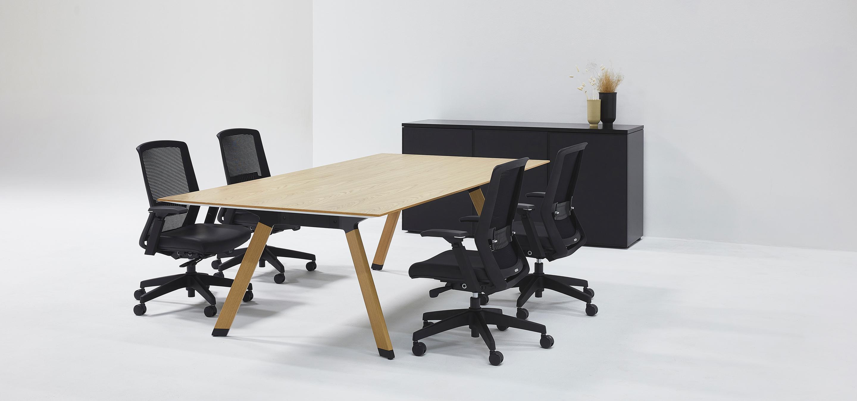 Nienkamper Metronome Table