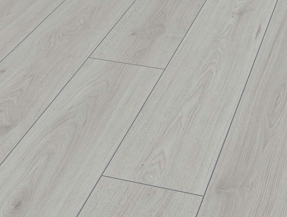 Laminatboden – Trendeiche silber – Silbriges Holz von der Isareiche – Muster bestellen!