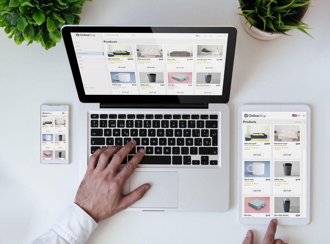 Man using 3D product Catalogue