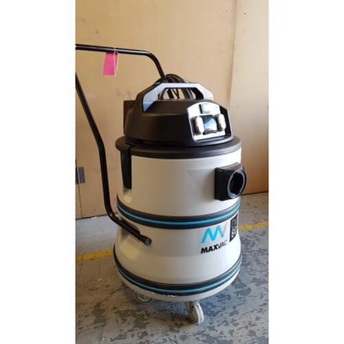 Ex-Demo DV-80-110 M filtered vacuum cleaner (complete with wand kit)