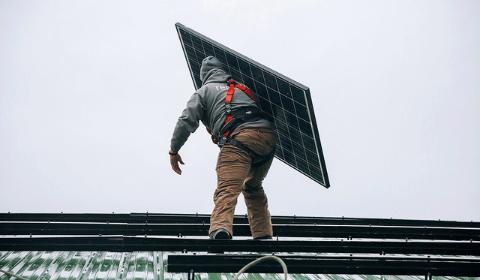 Panele fotowoltaiczne o coraz większej mocy nie przekonują wszystkich instalatorów