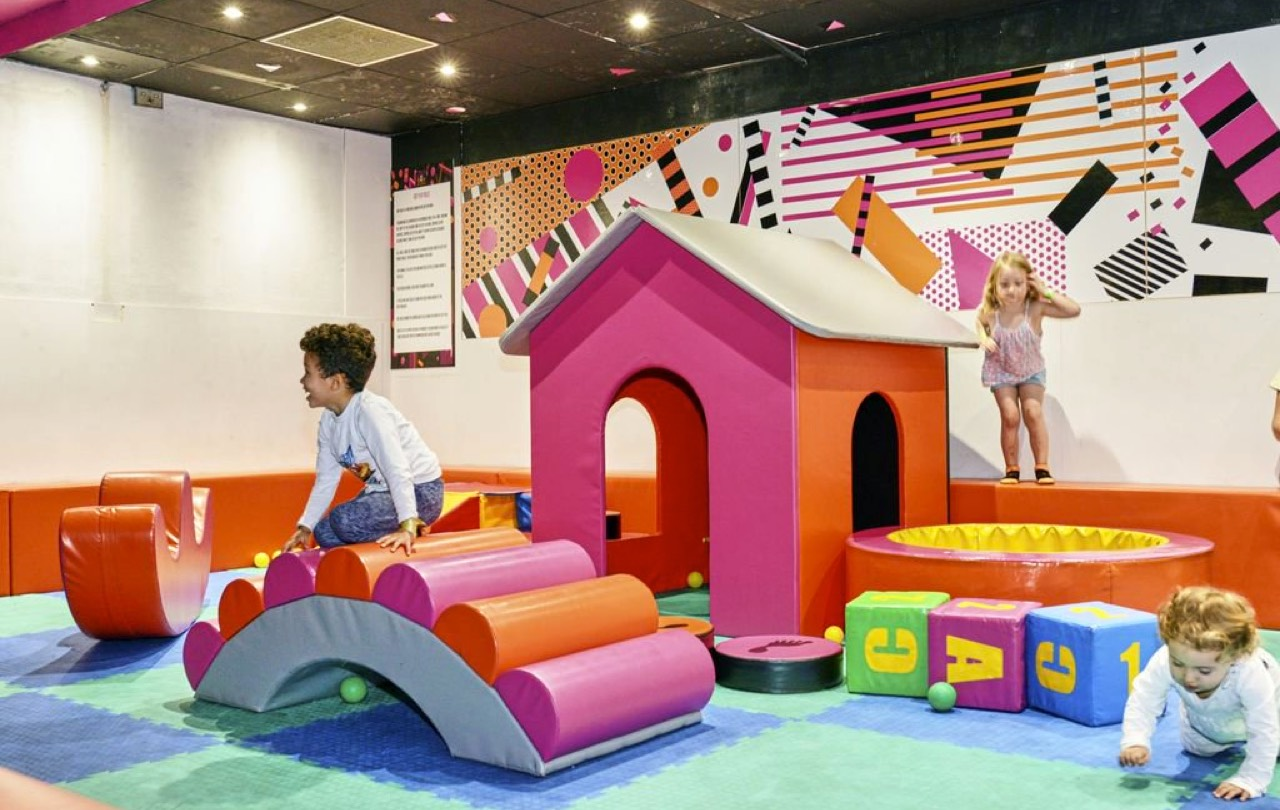 toddlers enjoying soft play at zapspace