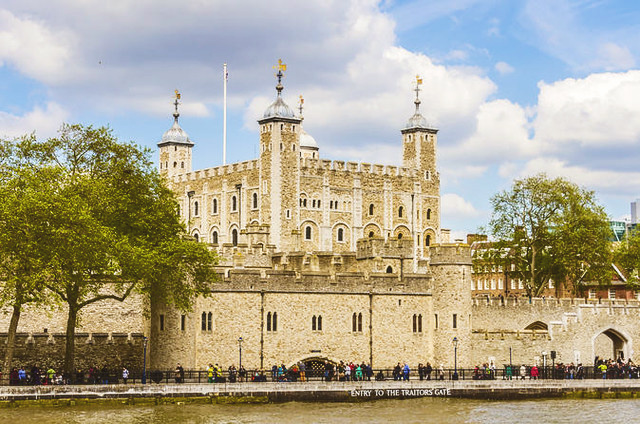 tower of london sightseeing with kids fun