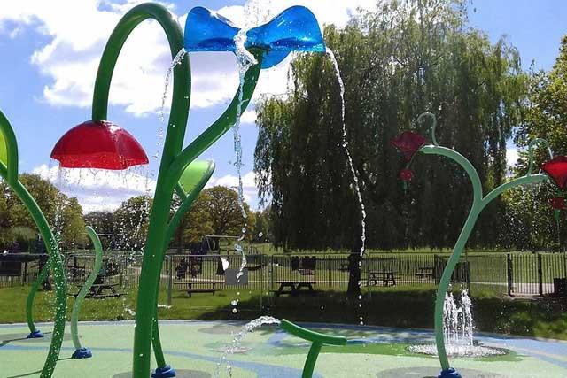 king george splash park in bushey