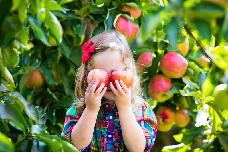 girl with apples and country girl names