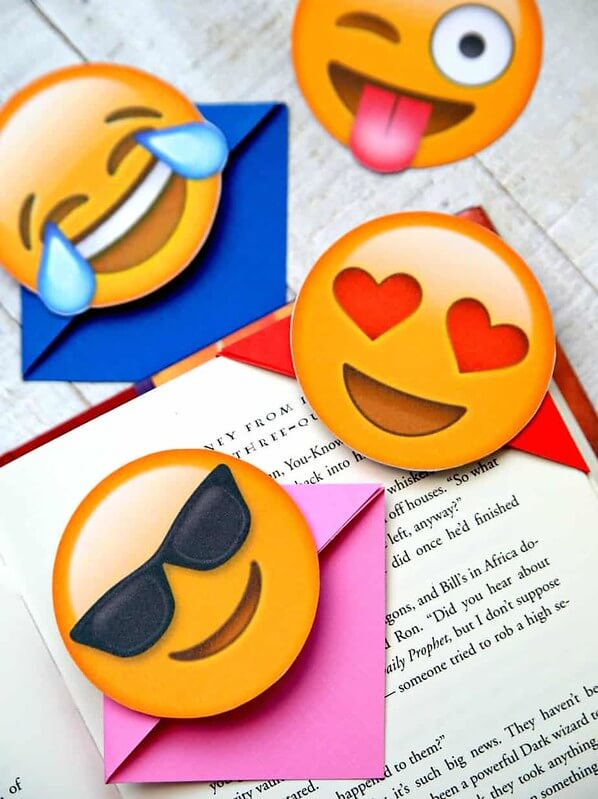 Emoji Craft Bookmarks, fun emoji crafts