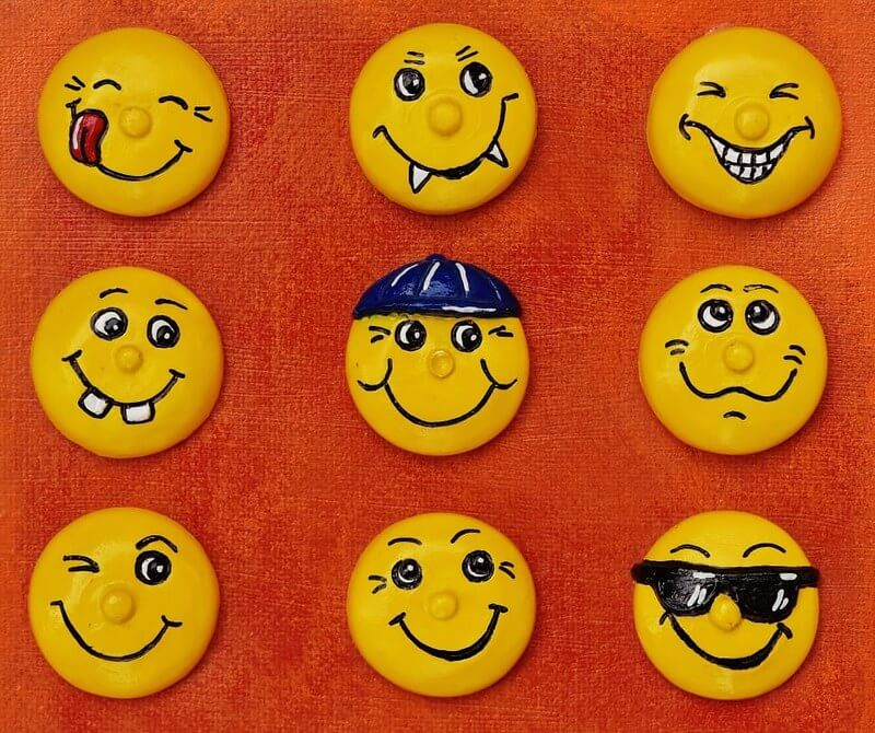 Emoji magnets for the fridge, a fun emoji craft
