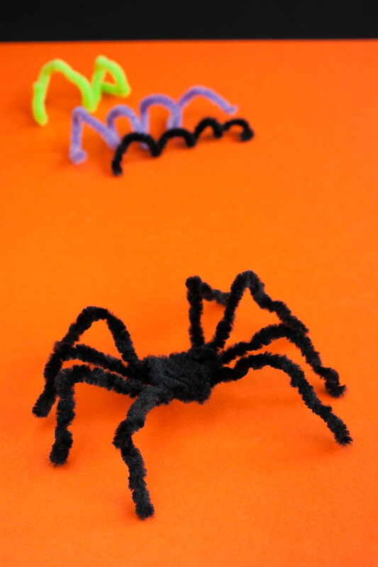 Pipe cleaners spiders