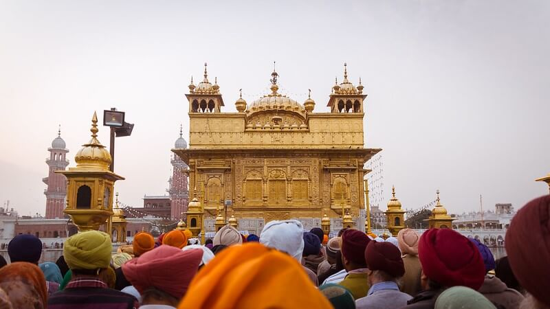 Sikhism For Children Explained - The Golden Palace in Amritsar