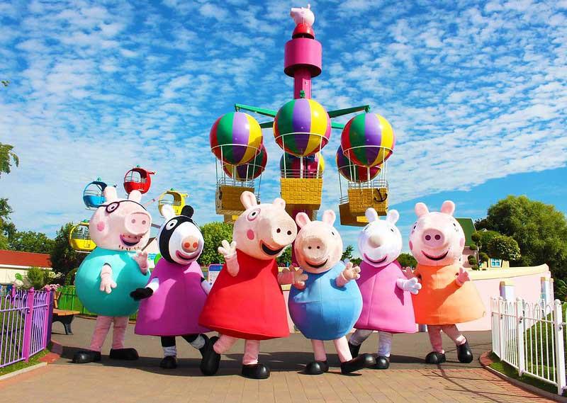 Peppa Pig characters at Paultons Park.