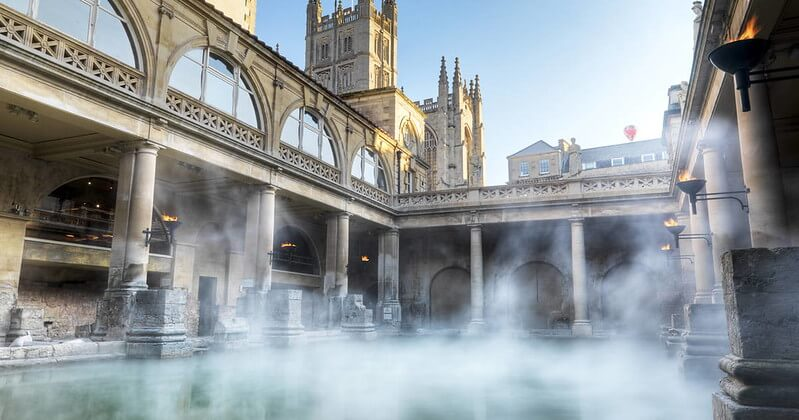 Bath, famous for its Roman baths, is a beautiful Cotswold Family Holidays location