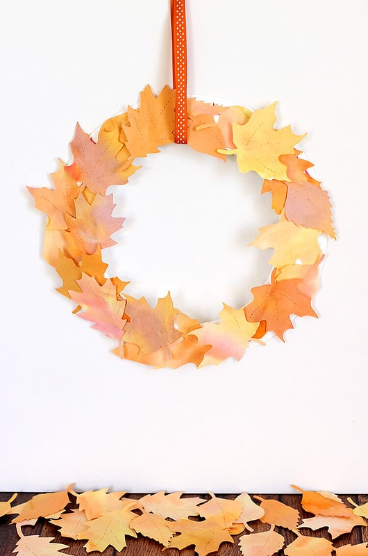 Paper leaf wreath harvest activities and crafts.