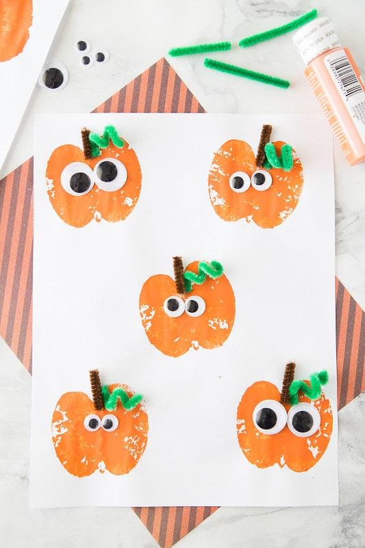 Apple Pumpkin Prints harvest activities and crafts