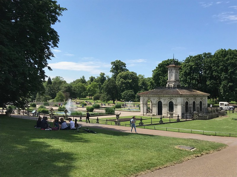 The Italian gardens in Hyde Park are really beautiful to explore with the family.