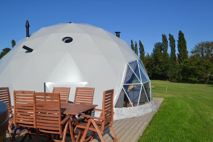 Unique pods at Geolodge.