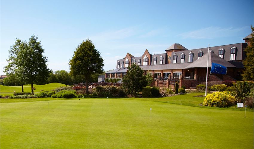 Golfing green at The Village Hotel, Blackpool.