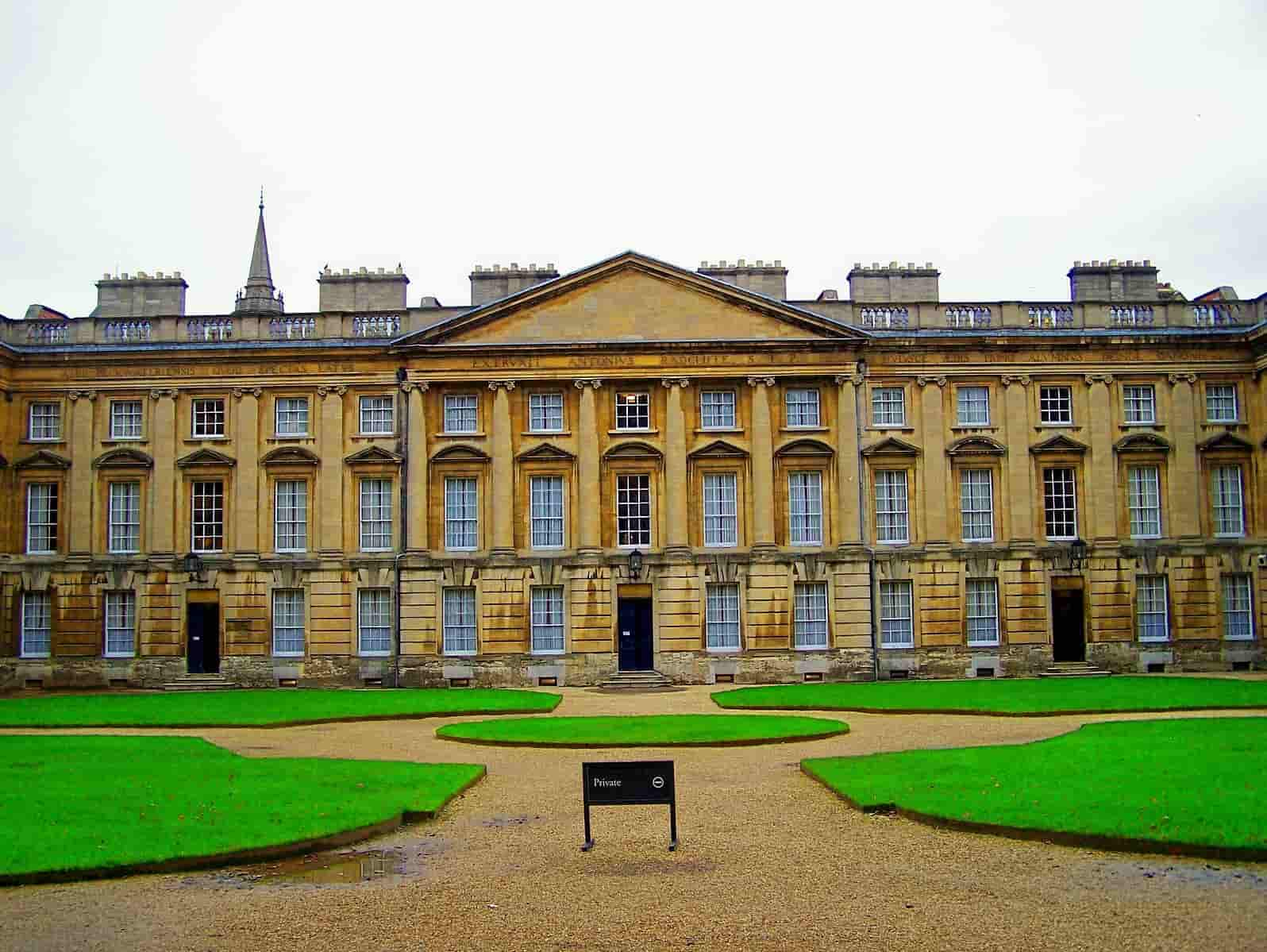 The Christ Church College Rooms and grounds in Oxford on a cloudy day.
