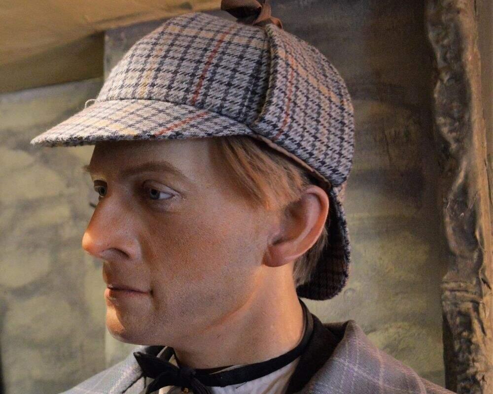 Sherlock Holmes in deerstalker hat