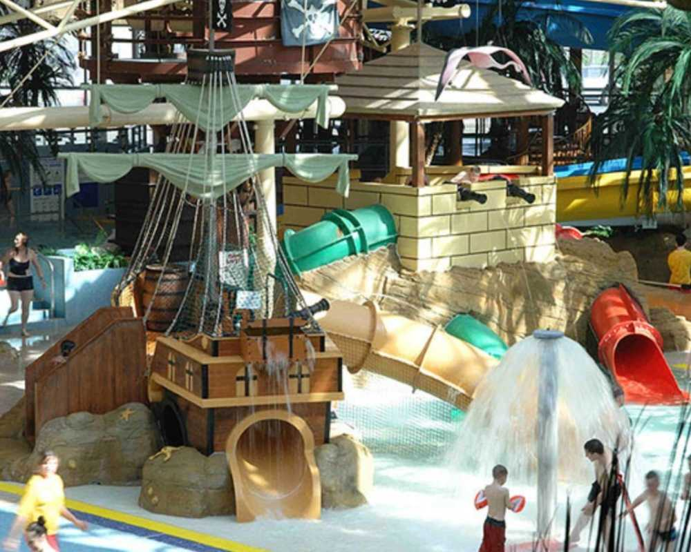 People playing on HMS Thundersplash at Sandcastle Waterpark.