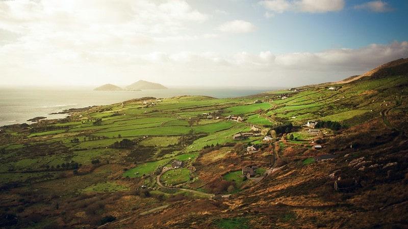 The beautiful scenery of the Irish countryside on the coast.