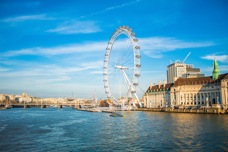 The London Eye over the Thames, a classic route for the Evan Evans London tours.