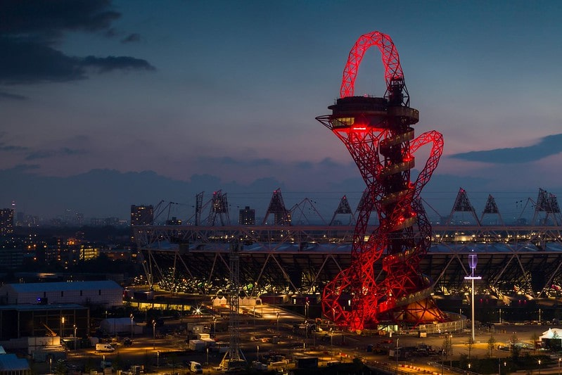 The ArcelorMittal Orbit at night.