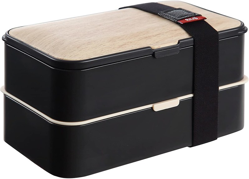 Black and wood PuTwo Tier Bento Box.