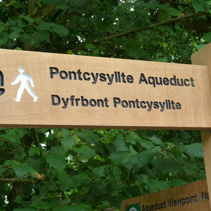 Sign for the Pontcysyllte Aqueduct for walkers in Wrexham.