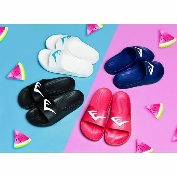 Everlast Junior Sliders in a variety of colours.