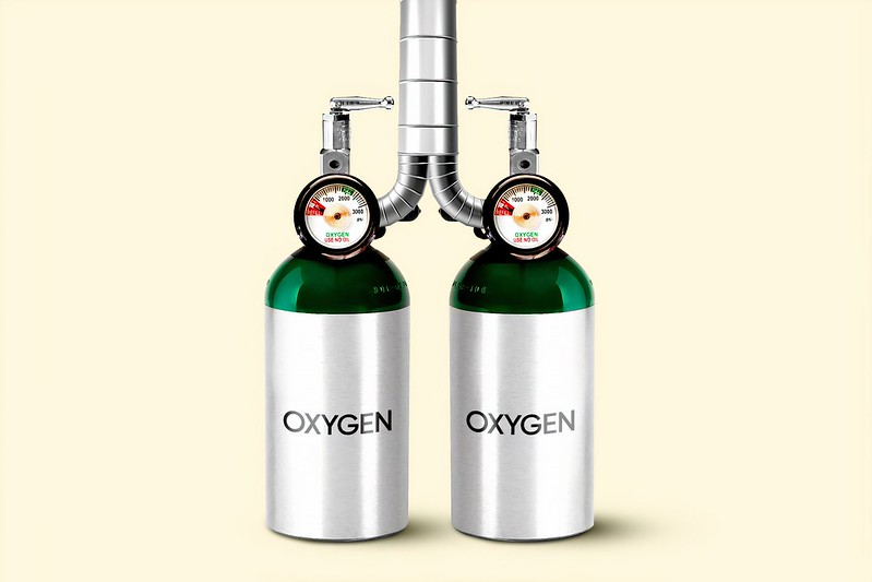 Two oxygen tanks feeding into the same pipe, resembling human lungs.