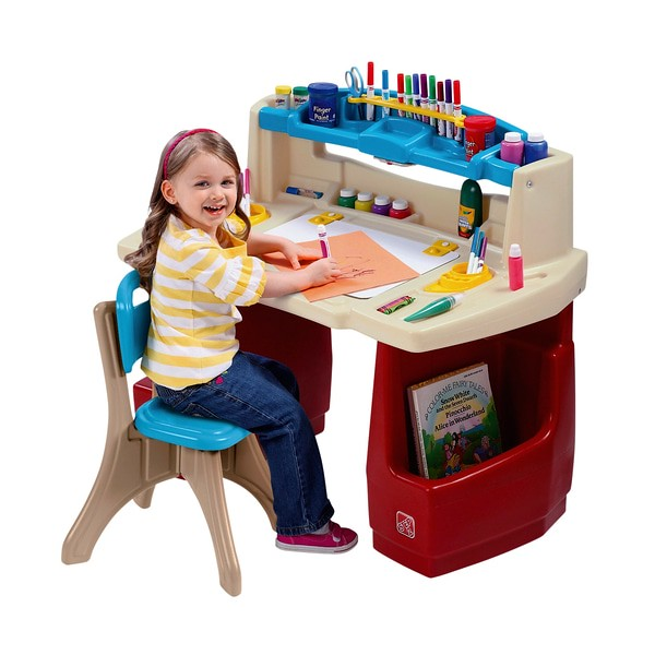 Step 2 Deluxe Art Activity Desk And Chair Set.