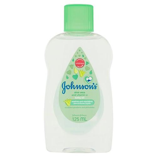 Johnson's Aloe Vera And Vitamin E Baby Oil.