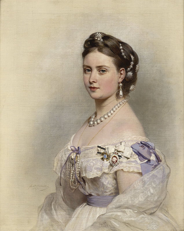 Queen Victoria's daughter, Princess Victoria, painted wearing lots of pearls.