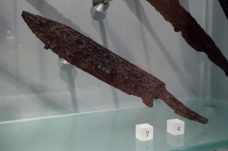 Seax knife, a Viking artefact, in a display case.