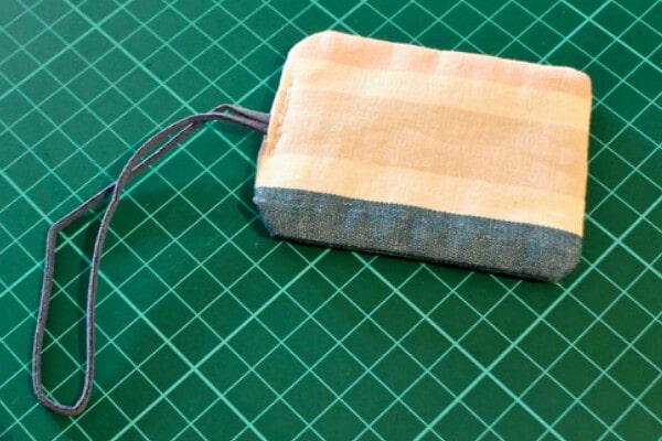 Easy stitched DIY luggage tags.