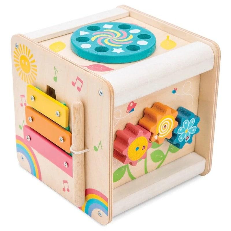 Le Toy Van Petit Actvity Cube.