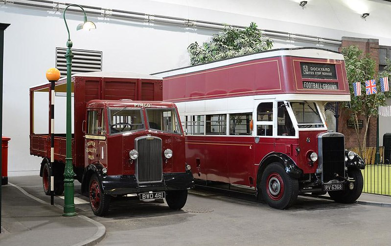Victorian bus and car at the Milestones Museum of Living History.