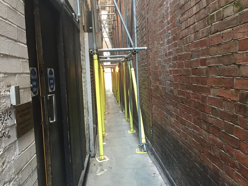 Brydges Place, London's narrowest alley.