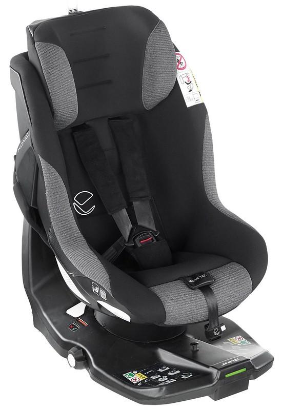 Jané Ikonic 360-Rotating iSize Car Seat.