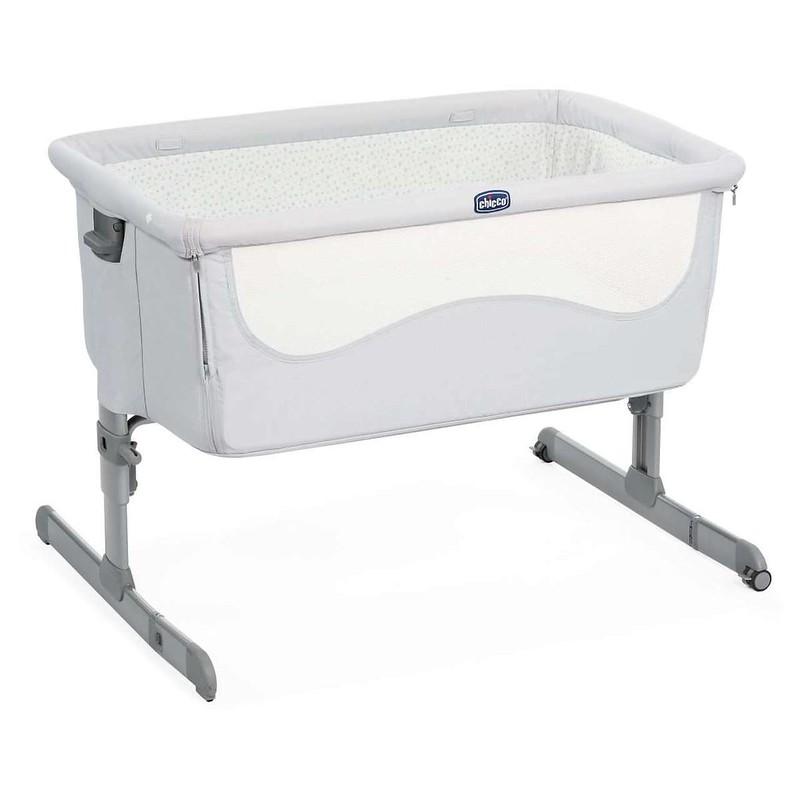 Chicco Next 2 Me Bedside Sleeper Crib.