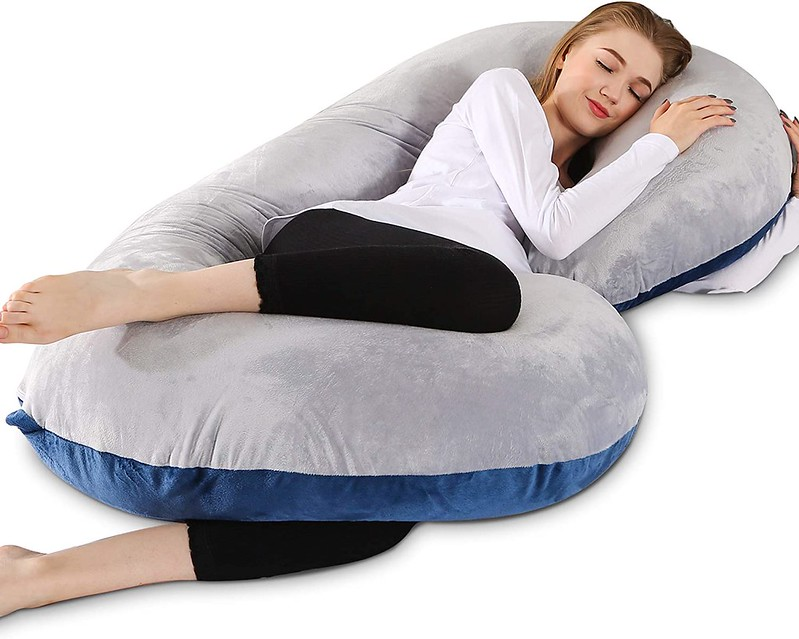 Chilling Home Pregnancy Pillow.