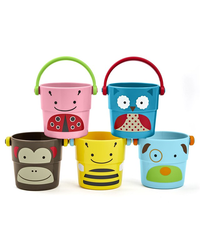 Skip Hop Zoo Stack And Pour Buckets.