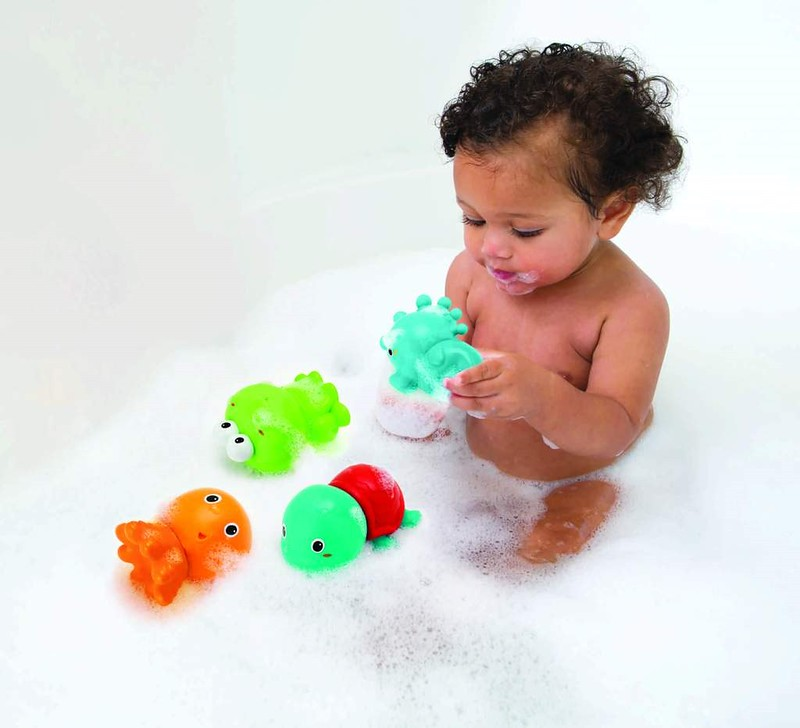 Infantino Senso Plug & Squirt Aquarium.