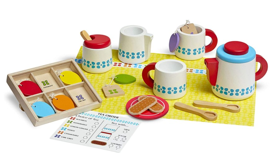 Wooden Steep and Serve Tea Set encourages creativity for kids.