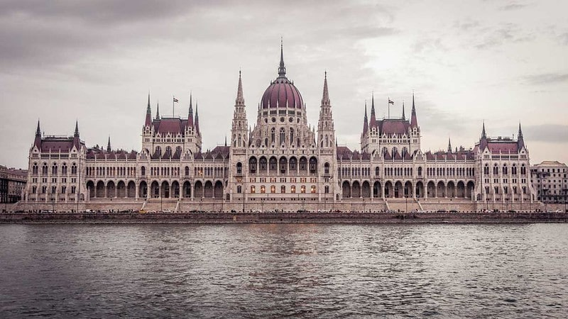 An image of the Hungarian Parliament building.