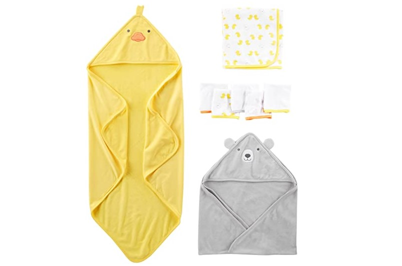 Colorful towel sets for a cosy bath time.
