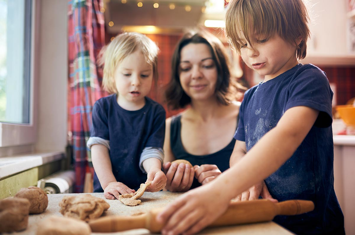 Children over 12 are best suited to help with decorating the cake.