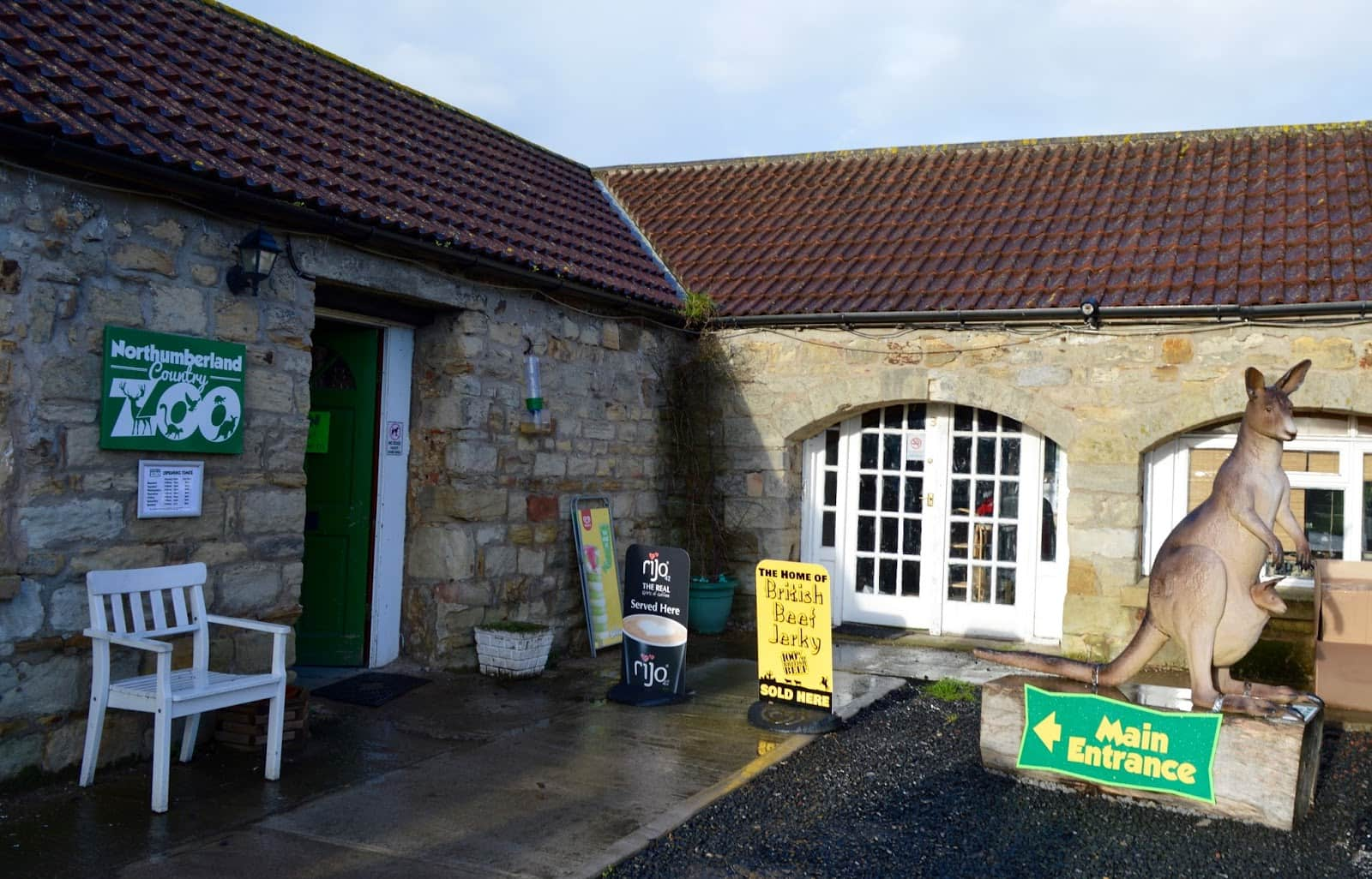 The entrance of Northumberland Country Zoo.