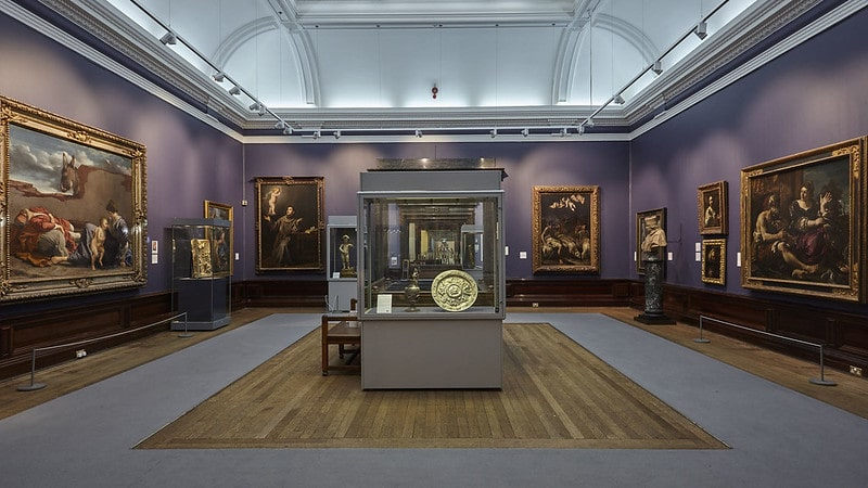 The Baroque gallery room of Birmingham Museum and Art Gallery.